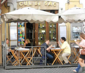 Cul de Sac wine bar in Rome