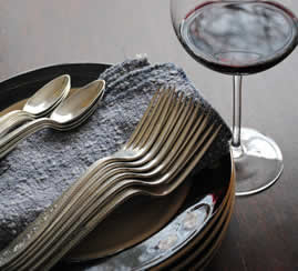 glass-of-red-wine-with-plates